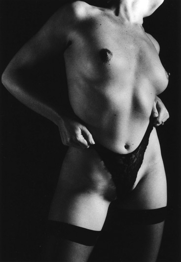 Nudes-2004-by-Leah-Hawker-2
