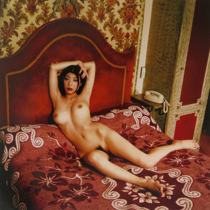 Chambre-Close-by-Bettina-Rheims-&-Serge-Bramly--011-